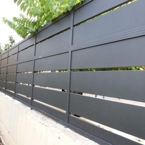 גדרות-גדר פרופיל 24 קלאסי שחור