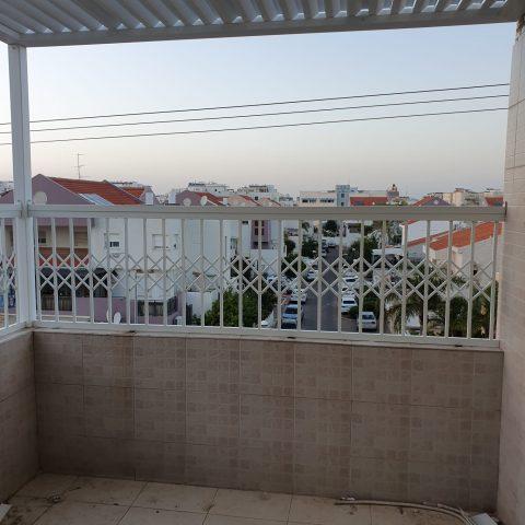 סורג למרפסת
